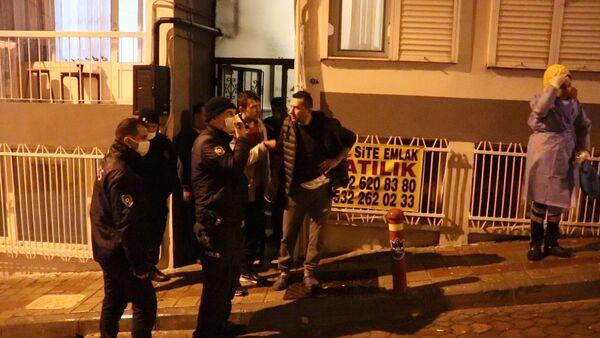 İzmir'de hırsız, girdiği evin sahibini bıçakladı - Sputnik Türkiye