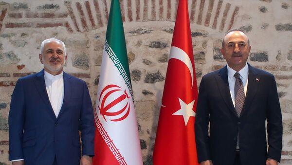 Dışişleri Bakanı Mevlüt Çavuşoğlu ve İran Dışişleri Bakanı Muhammed CevadZarif, İstanbul'da bir araya geldi. - Sputnik Türkiye