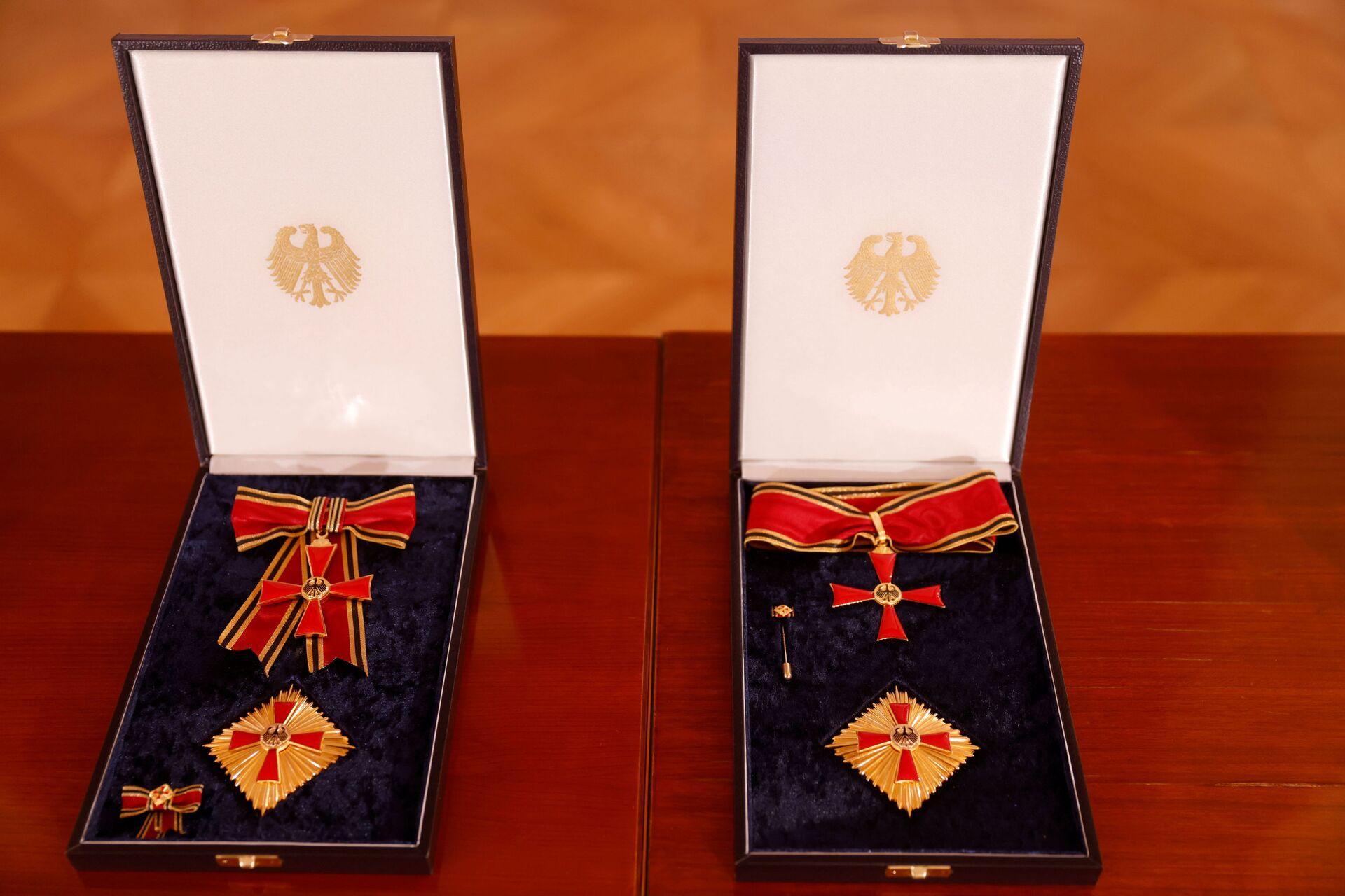 BioNTech aşısının gururunu yaşayan Almanya'dan Türeci ile Şahin'e en üst düzey devlet madalyası - Sputnik Türkiye, 1920, 19.03.2021