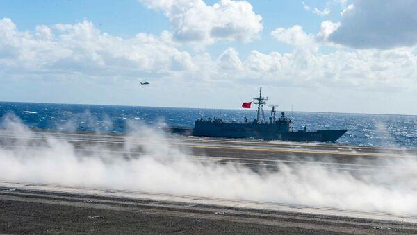 TSK unsurlarının Eisenhower Uçak Gemisi Görev Grubu ile Doğu Akdeniz'deki eğitiminin fotoğrafları paylaşıldı - Sputnik Türkiye