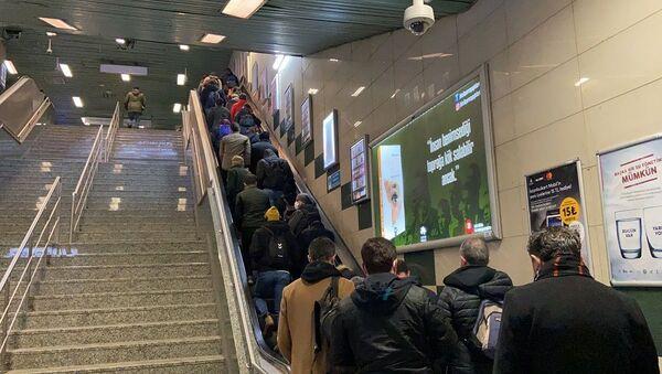 Yenikapı-Hacıosman metrosu- kalabalık - Sputnik Türkiye