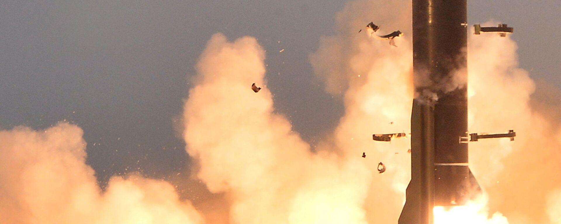 Kuzey Kore resmi haber ajansı, 25 Mart 2021'deki yeni tip taktik güdümlü füze denemesinden görüntüler yayımladı. Analistlere göre bunlar Ekim 2020'de Pyongyang'daki askeri geçit töreninde sergilenen füzeler.  Silahsızlanma Çalışmaları  James Martin Merkezi'nden  Jeffrey Lewis Eğer öyleyse, daha önce denenmiş  KN-23 füzelerinin gerçekten büyük bir savaş başlığıyla geliştirilmiş varyantı gibi görünüyorlar dedi. - Sputnik Türkiye, 1920, 15.09.2021