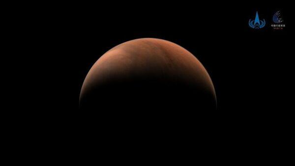 Çin'in Mars keşif aracı Tianwen-1, gezegenin iki tarafından fotoğraf gönderdi - Sputnik Türkiye
