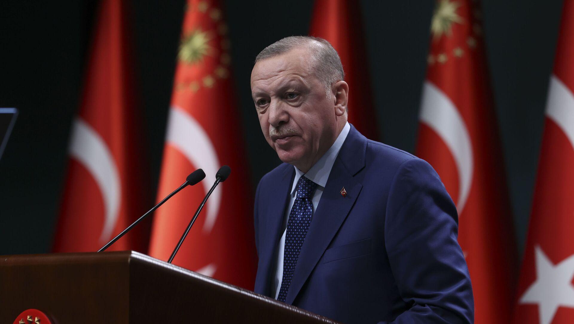 Cumhurbaşkanı Recep Tayyip Erdoğan, kabine toplantısı sonrası yeni koronavirüs kararlarını açıkladı - Sputnik Türkiye, 1920, 21.04.2021