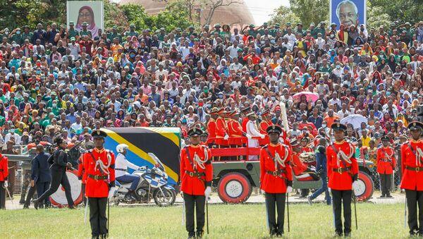 Tanzanya polisi: Magufuli'nin cenaze töreninde 45 kişi öldü - Sputnik Türkiye
