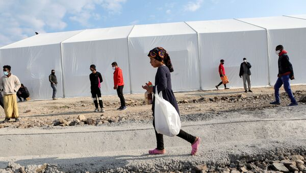 AB İçişleri Komiseri Johansson: Yeni sığınmacı kamplarının inşası için Yunanistan'a 276 milyon euro kaynak aktarılacak - Sputnik Türkiye