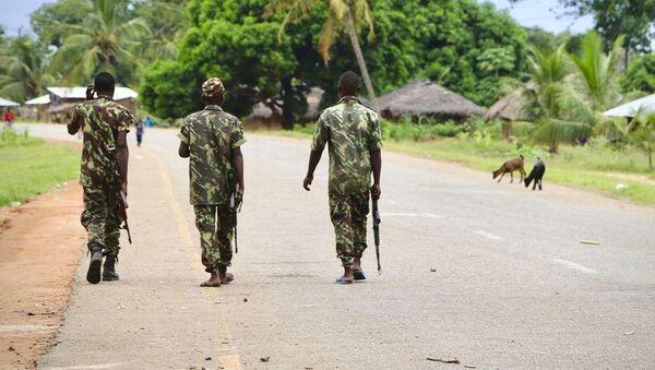 Mozambik'te IŞİD'in saldırdığı Palma kasabasında askerler görev almaya başladı - Sputnik Türkiye