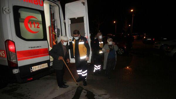 Konya'nın Beyşehir ilçesinde mutfakta ocakta yemek pişirildikten sonra kapağı açılmak istenirken patlayan düdüklü tencere yaşlı çifti yaraladı. - Sputnik Türkiye