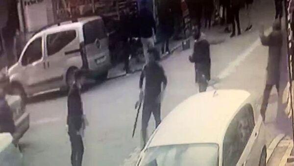 Kılıçlı, pompalı tüfekli kavga - Sputnik Türkiye
