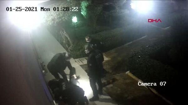 Antalya'da 5 polis memuru hakkında, bir site sakininin şikayetçi olduğu Çağdaş Yırtıcı'yı (33) görevlerinin gerektirdiği ölçünün üzerinde kuvvet kullanarak yaraladıkları iddiasıyla dava açıldı. - Sputnik Türkiye