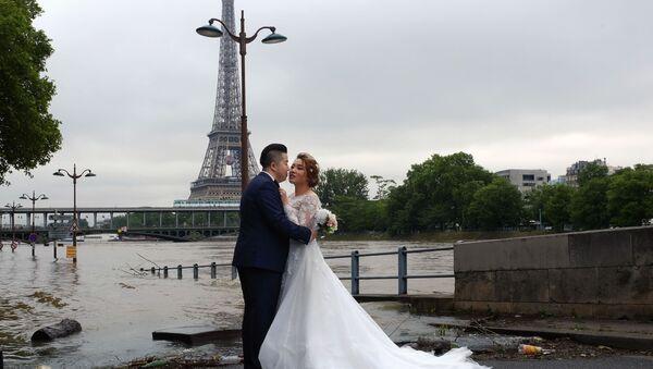Fransa'da belediyedeki nikahlarda yabancı ülke bayraklarına yasak - Sputnik Türkiye
