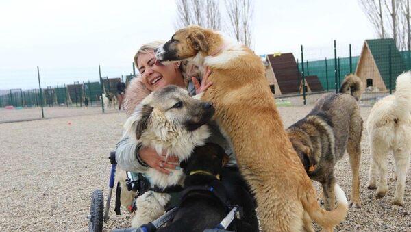 engelli hayvanlar için barınak kuran Buket Özgünlü, Ankara - Sputnik Türkiye