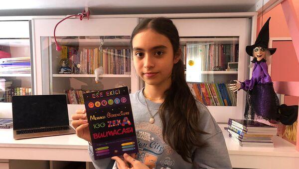 Daha okula başlamadan zekâ bulmacaları çözen Ece Ekici, 9 yaşında Türkiye Zeka Vakfı'na ait derginin en küçük editörü oldu, 13 yaşında da bulmaca kitabı yazdı. İleride kitaplarının sayısını arttırmak istediğini söyleyen Ece, Yaşım küçük olmasına rağmen bir dergide sorular hazırladım. Bu da kitaba dönüştü. Bu yüzden çok gururlu ve mutluyum dedi. - Sputnik Türkiye