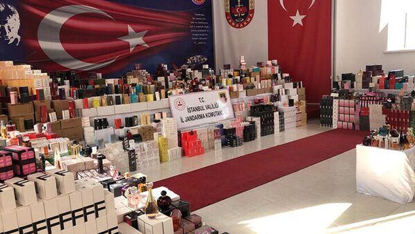 20 milyon liralık 20 bin şişe sahte parfüm yakalandı - Sputnik Türkiye