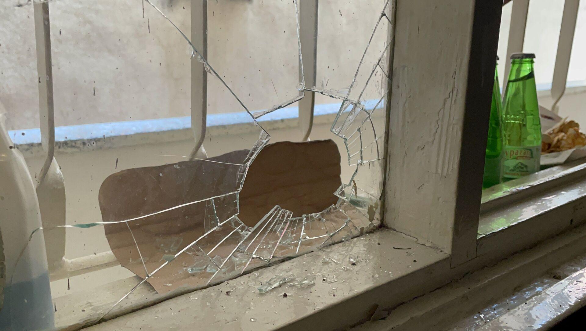 Ordu'nun Fatsa ilçesinde bir kişi, boşanma aşamasındaki eşinin yanında kalan oğlunu göremeyince tabanca ile kalbine ateş ederek intihar etti. - Sputnik Türkiye, 1920, 03.04.2021