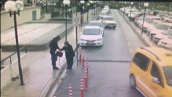 Telefon dolandırıcılarına inandı, 100 kilometreyi ticari taksiyle gelip 350 bin TL kaptırdı - Sputnik Türkiye