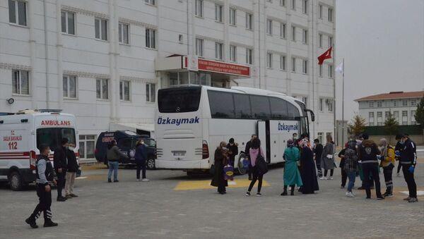 Karaman'da pozitif çıkan yolcu nedeniyle karantinaya alınan otobüs  - Sputnik Türkiye