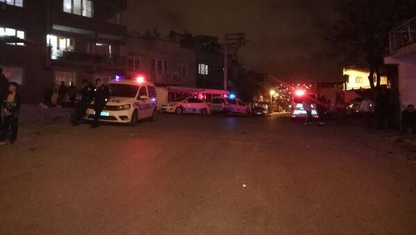 İzmir'de sokak ortasında silahlı çatışma: 6 yaralı - Sputnik Türkiye