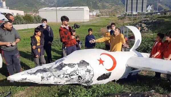 Sosyal medya fenomeni, kendi yaptığı uçakla kaza geçirdi - Sputnik Türkiye