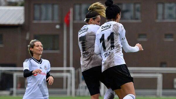 Beşiktaş Kadın Futbol Takımı, Arzu Karabulut  - Sputnik Türkiye