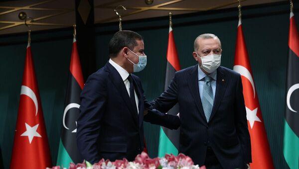 Cumhurbaşkanı Recep Tayyip Erdoğan ve Libya Milli Birlik Hükümeti Başbakanı Abdülhamid Dibeybe - Sputnik Türkiye