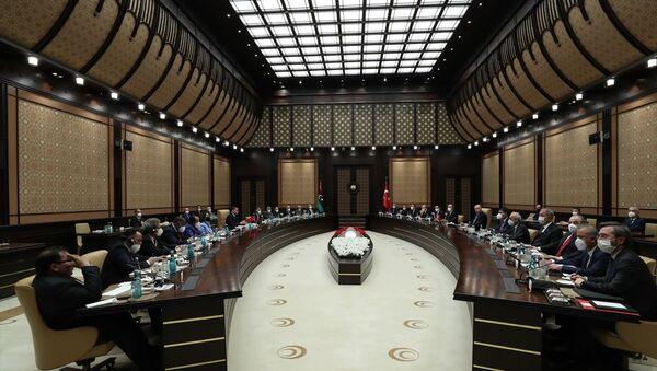 Cumhurbaşkanı Recep Tayyip Erdoğan, Libya Milli Birlik Hükümeti Başbakanı Abdülhamid Dibeybe ile Türkiye-Libya Yüksek Düzeyli Stratejik İşbirliği Konseyi oturumuna katıldı. - Sputnik Türkiye