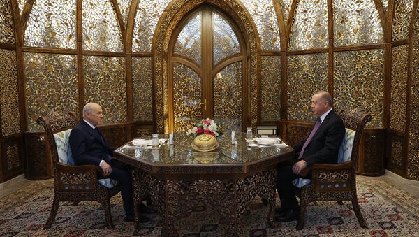 Cumhurbaşkanı ve AK Parti Genel Başkanı Recep Tayyip Erdoğan ile MHP Genel Başkanı Devlet Bahçeli, Özbek Otağı'nda iftarda bir araya geldi. - Sputnik Türkiye