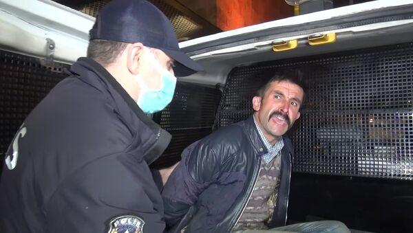 Ulu Cami'ye balyozla saldıran kişi - Sputnik Türkiye