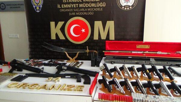 Sedat Peker operasyonunda ele geçirilen silah ve mühimmatlar  - Sputnik Türkiye