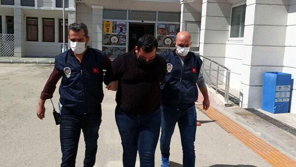 Kız kardeşine çarpan taksici: Kardeşimizi koruduk, suç yerine geçiyorsa bilemeyiz artık - Sputnik Türkiye
