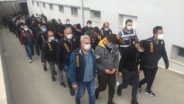 Garantili kupon yalanıyla vatandaşı dolandırıp tavuk çiftliği kurdular - Sputnik Türkiye