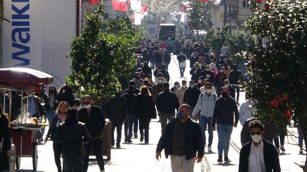 İstanbul - İstiklal caddesi - koronavirüs - maske - Sputnik Türkiye