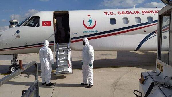 Türkiye'den Kuzey Kıbrıs'a 40 bin doz Kovid-19 aşısı daha gönderildi - Sputnik Türkiye