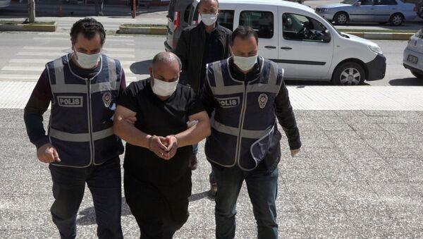 Hırsızlıktan aranıyordu, koronavirüsten ölen kardeşinin kimliği ile HES kontrolünde yakalandı - Sputnik Türkiye