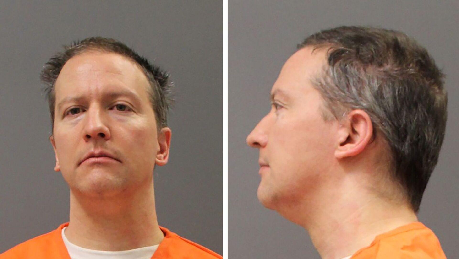 ABD'nin Minnesota eyaletinde görülen davada jüri tarafından siyahi George Floyd'un ölümünden suçlu bulunan eski polis memuru Derek Chauvin - Sputnik Türkiye, 1920, 12.05.2021