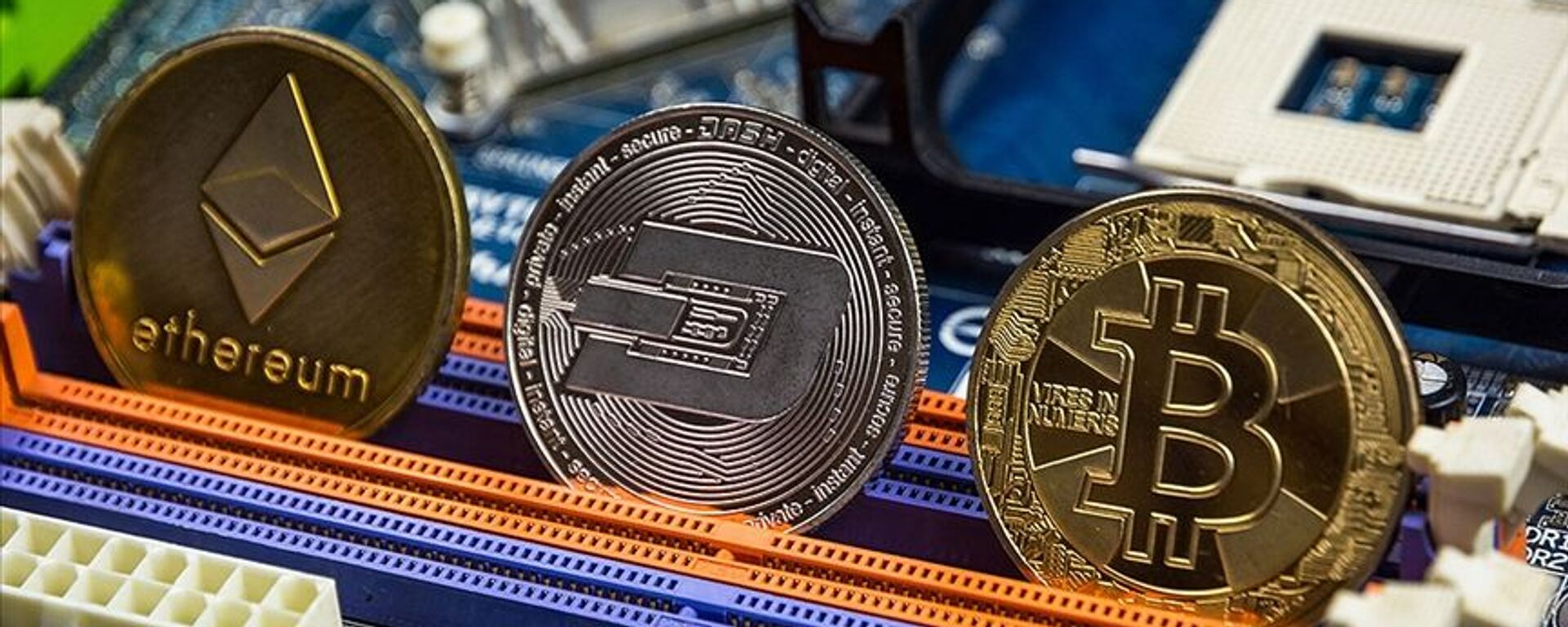 kripto para, Bitcoin, Ethereum - Sputnik Türkiye, 1920, 18.06.2021
