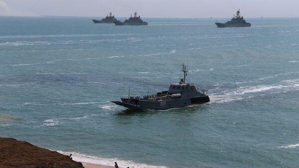 Rusya Savunma Bakanlığı: Karadeniz Filosu'ndaki savaş gemileri, Kırım'daki tatbikatların ardından üslerine döndü - Sputnik Türkiye