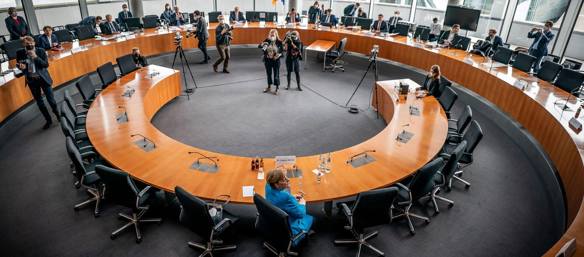 Almanya'da Wirecard skandalıyla ilgili kurulan Federal Meclis Araştırma Komisyonu'nda Başbakan Angela Merkel ifade verdi. - Sputnik Türkiye, 1920, 23.04.2021