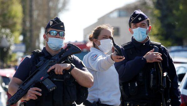 Fransa'da karakol önünde saldırıya uğrayan kadın polis memuru hayatını kaybetti - Sputnik Türkiye