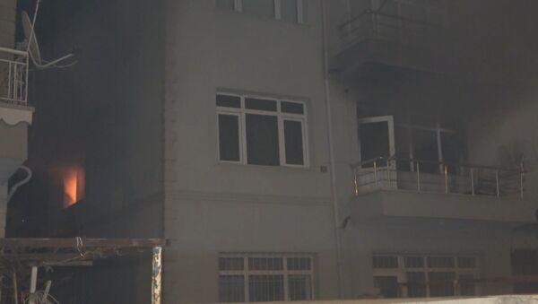 Kırıkkale'de cinnet getiren 75 yaşındaki bir kişi iddiaya göre, karısını bıçakla öldürdükten sonra evini ve otomobilini ateşe verdi. - Sputnik Türkiye