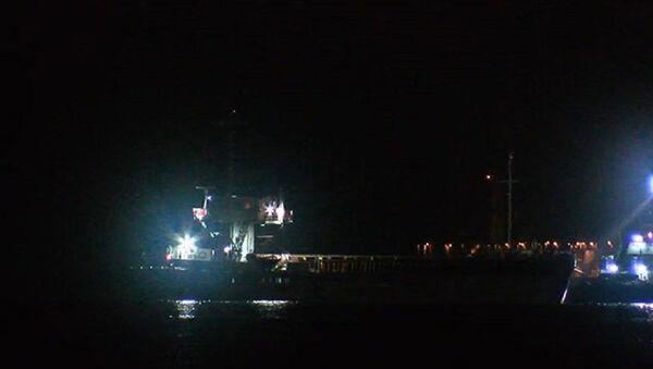 İstanbul Boğazı'nda arıza yapan gemi Ahırkapı'ya çekildi  - Sputnik Türkiye