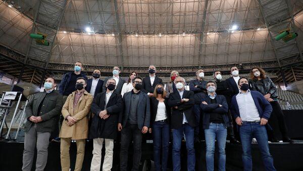 Barselona'da 5 bin kişilik sosyal mesafesiz konsere katılanlarda koronavirüse rastlanmadı - Sputnik Türkiye