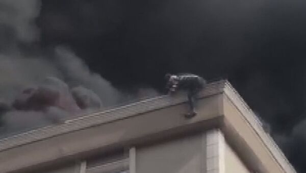 Bağcılar'da çatı yangını - Sputnik Türkiye