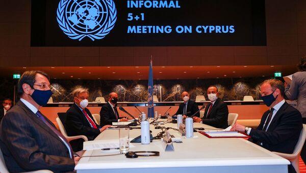 5+1 gayriresmi Kıbrıs konferansı, Mevlüt Çavuşoğlu - Sputnik Türkiye