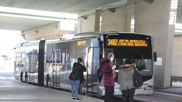 Toplu taşıma / metrobüs / koronavirüs - Sputnik Türkiye