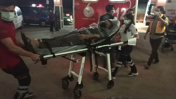 Osmaniye'de, bir tekstil fabrikasında çalışan 70 işçi, iftar yemeğinin ardından mide bulantısı ve baş dönmesi şikayetleri üzerine hastaneye kaldırıldı. - Sputnik Türkiye