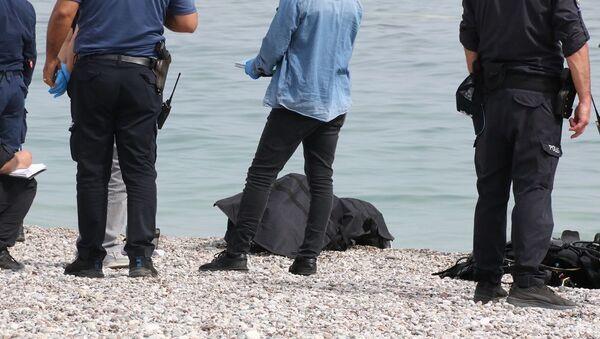 Antalya'da su altına dalan turist ceset buldu - Sputnik Türkiye