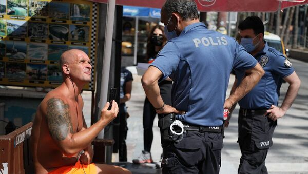 Antalya'da gözaltına alınan turist - Sputnik Türkiye