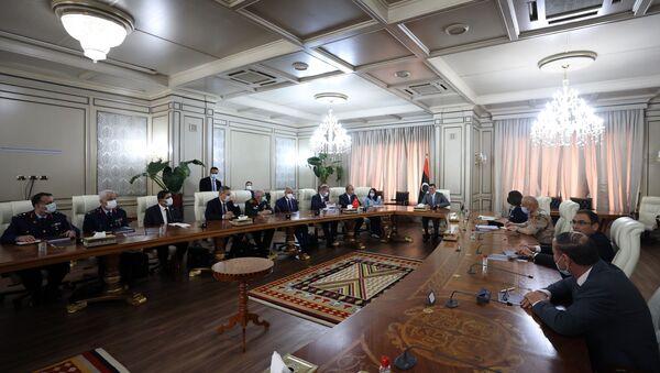 Milli Savunma Bakanı Akar, Libya Başbakanı Dibeybe ile görüştü - Sputnik Türkiye