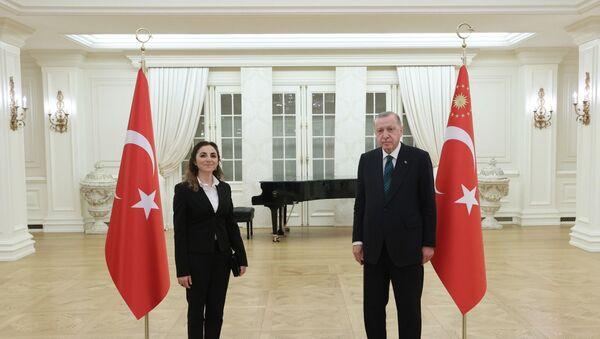 Cumhurbaşkanı Recep Tayyip Erdoğan öğretmenlerle iftar yaptı. - Sputnik Türkiye